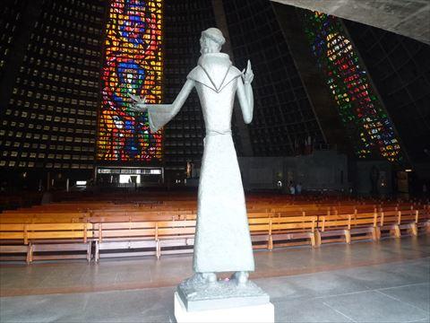 カテドラル・メトロポリターナの聖フランシスコ像