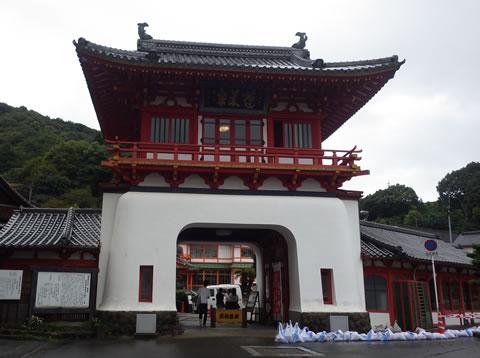九州でのデートにおすすめスポット武雄温泉楼門